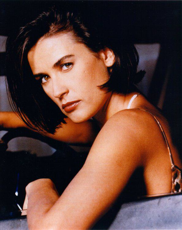 BabeStop - World's Largest Babe Site - demi_moore010.jpg