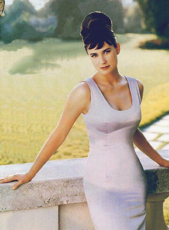 BabeStop - World's Largest Babe Site - demi_moore046.jpg